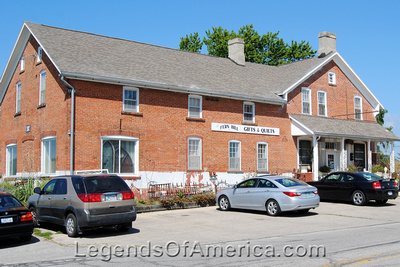South Amana, IA - Gifts & Quilts Store