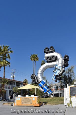 Las Vegas, NV - Quirky Semis