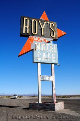 Amboy, CA - Roy's Sign