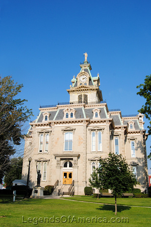 Bloomfield, IA - Davis County Courthouse