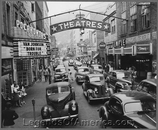 Welch, Wv - Saturday afternoon street scene, 1946