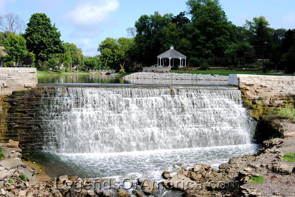 Menomonee Falls - Waterfall