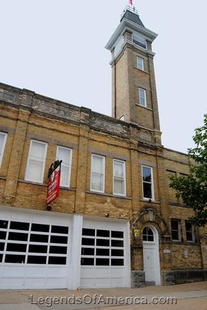 Cedarburg, WI - Firehouse