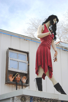 Seligman, AZ - Rusty Bolt - Roof Mannequin - 2
