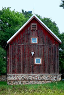 Waukesha County, WI - Skull Barn