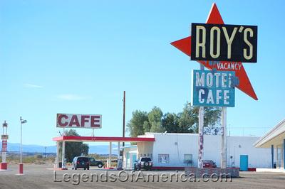 Amboy, CA - Roy's Sign & Cafe
