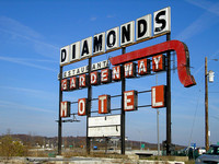 Gray Summit, MO - Diamonds Restaurant Sign