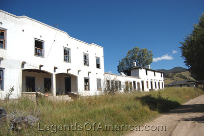 Eagle Nest, NM - Lodge Front