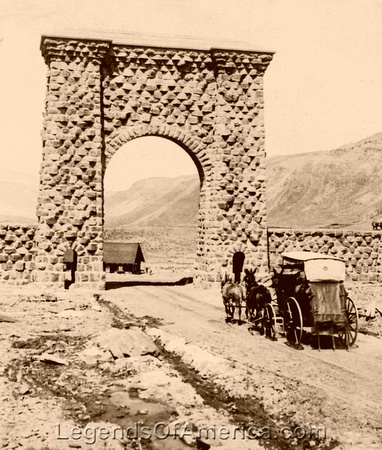 Yellowstone - North Entrance, 1904