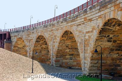 Minneapolis, MN -Mill Ruins Park Stone Arch Bridge