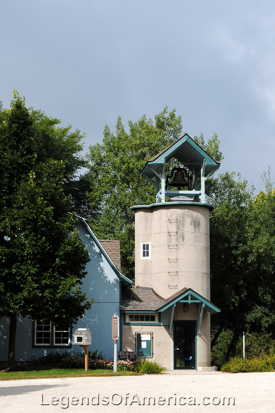 Dheinsville, WI - Silo Bell