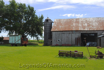 Forestville, WI - Barn & Farm Implements