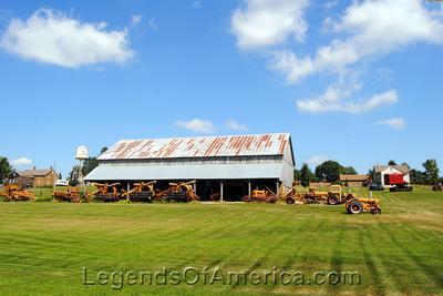 West Amana, IA - Barn & Tractor Museum