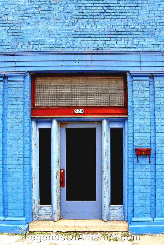 Oshkosh, WI - Blue Bulding - enhanced