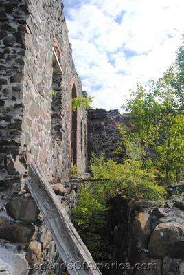 Central Mine, MI - Ruins2