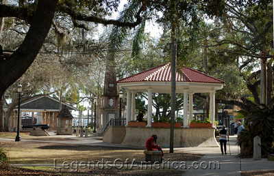 St. Augustine, FL - Plaza de la Constitucion