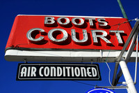 Carthage, MO - Boots Court