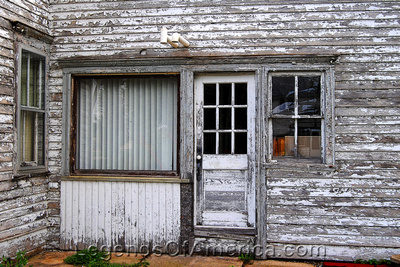 Edmund, WI - Building Door & Windows